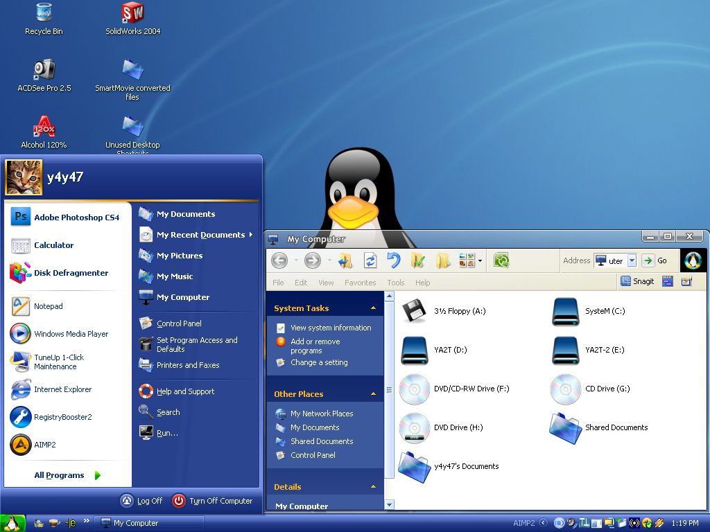 Fedora Transformation Pack for WIndows XP @ 10+ Windows Transformation Packs To Enhance Desktop Experience